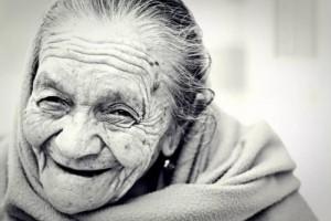 长命的要害是什么日本科学家剖析了多位超百岁老人有了新发现